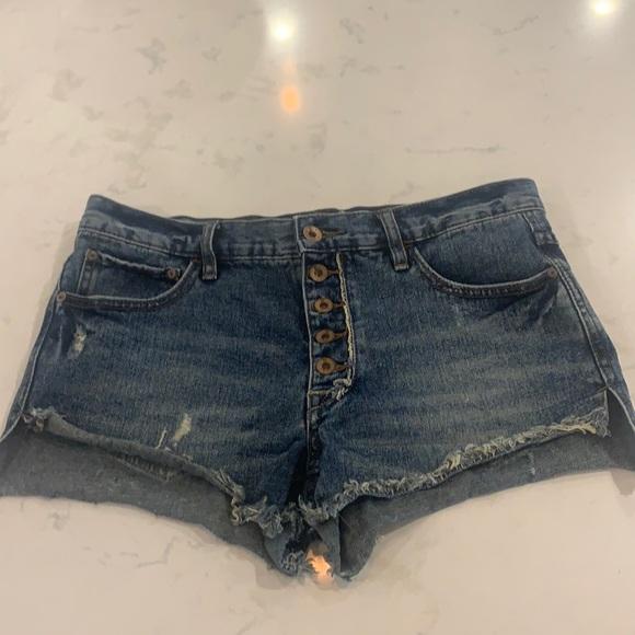 Free People Raw Hem Button fly denim shorts. EUC